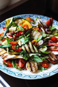Summer salad with grilled vegetables