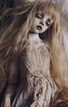 'Costa d' Eva' Tari Nakagawa, bjd doll series  - handfeeding the psychosis.
