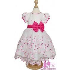Summer Dresses, Disney Princess, Disney Characters, Fashion, Moda, Summer Sundresses, Fashion Styles, Fashion Illustrations, Summer Clothing