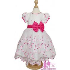 #Rochite #elegante pentru #fetite www.copiieleganti.ro  #rochii #fete #serbare #flori #primavara #promotii