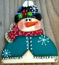 NEW 2015 Country Snowman 2015 by CountryCharmers on Etsy Christmas Rock, Christmas Signs, Christmas Snowman, Christmas Time, Christmas Ornaments, Snowman Crafts, Xmas Crafts, Christmas Projects, Snowman Faces