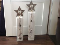 Post Set Stars Christmas Decorations by FlotterFaden on - Vánoce - Scandinavian Christmas, Rustic Christmas, Winter Christmas, Christmas Time, Primitive Garden Decor, Wooden Posts, Advent Wreath, Theme Noel, Christmas Is Coming