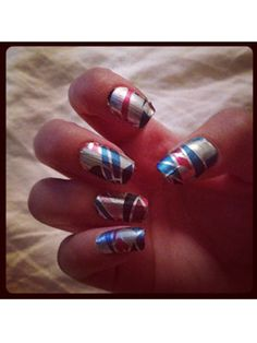 Former Seventeen intern, Kaitlin, got a seriously shapely mani using holographic nail strips by Incoco!