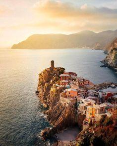Vernazza, Cinque Terre, Italy | Pinpanion