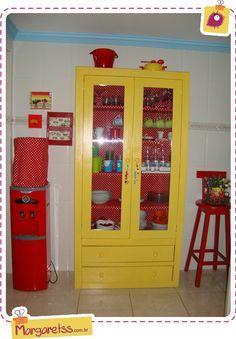 armario amarelo