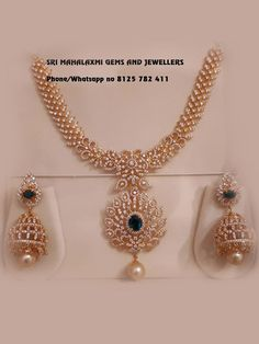 Real Gold Jewelry, Gold Jewellery Design, Diamond Jewellery, Latest Gold Jewellery, Bridal Jewellery, Wedding Jewelry, Gold Necklace Simple, Diamond Necklace Set, Diamond Pendant
