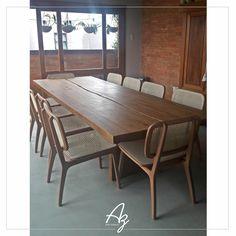 Nossa mesa de jantar em madeira maciça com tampo bipartido na varanda gourmet de nossos clientes! 😍