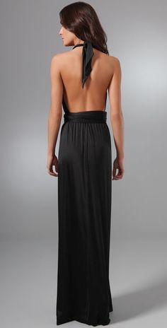 wish i could wear backless dresses :-/