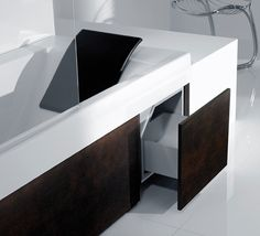 Modern Tub Shower Combo | Shower Tub Combination from Roca - Happening Combination