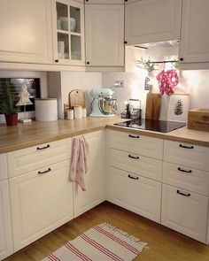 Country kitchen decorating ideas - country designs, comfort and easy living Kitchen Decor Themes, Home Decor Kitchen, Country Kitchen, Kitchen Interior, Home Kitchens, Room Decor, Open Plan Kitchen Living Room, Kitchen Room Design, Modern Kitchen Design