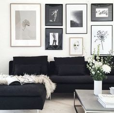 50+ Black and White Living Room Ideas_7