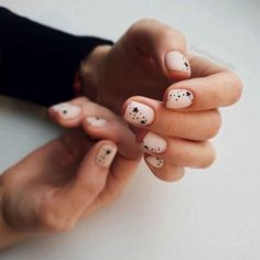 45 My Favourite Acrylic And Short Nail Painting Ideas Please come and have a look. Today I will share with you my favorite painted nail art, which includes acrylic nails and short nails. Cute Nails, Pretty Nails, My Nails, Design Ongles Courts, Nail Art Designs, Nails Design, Bridal Nail Art, Painted Nail Art, Nail Patterns