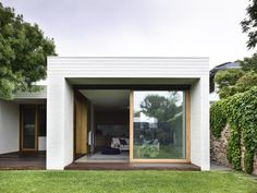 Brighton House by Rob Kennon Architects - Project Feature - Melbourne, Australia - The Local Project Australian Architecture, Residential Architecture, Interior Architecture, Brick Architecture, Interior Design, Brighton Houses, New Brighton, Fresco, Melbourne Suburbs