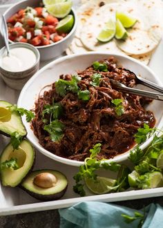 Mexican Shredded Beef (and Tacos) Mexican Shredded Beef taco spread – tortillas, sour cream, avocado, lime, pico de Gallo Crock Pot Recipes, Cooker Recipes, Hamburger Recipes, Top Recipes, Steak Recipes, Slow Cooker Mexican Beef, Mexican Shredded Beef, Shredded Beef Tacos Crockpot, Enchiladas