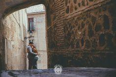 PREBODA EN TOLEDO_love sesion, reportaje de preboda, novios, boda toledo_0028_Ruben MEjias FOTOGRAFO DE BODAS,preboda urbana, preboda ciudad