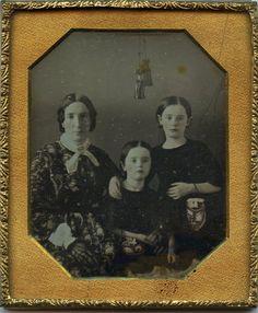 1840s 1 6 PL Daguerreotype Mom 2 Girls Affection Odd Hanging Tassel Above | eBay