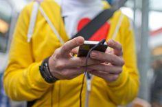 TÉLÉCOMMUNICATIONS—La nouvelle loi sur la surveillance devrait entraîner des coûts supplémentaires pour les opérateurs. Et donc des hausses de tarifs.La nouvelle loi sur la surveillance de la correspondance par poste et télécommunication examinée aujourd'hui par la Commission des affaires juridiqu