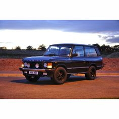 """""""Range rover classic 2 door CSK limited edition From Fan. #RangeRover #vogue #rangeroverclassic #rangeroverclassic2door #RangeRoversport #Landrover…"""""""