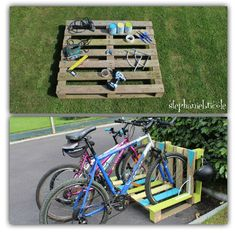 Un range-vélo récup' en palette Pallet Bike Racks, Diy Bike Rack, Bicycle Storage, Bicycle Rack, Garage Velo, Diy Garage, Garage Storage, Outdoor Projects, Pallet Projects
