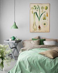Uma decor estilosa, com um toque de cor e muita paz pra você descansar tranquilo.