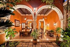 Alkemie: Colonial Mexican Architecture Reimagined ~ Merida, Mexico (Yucatan) Arches with columns Mexican Style Homes, Hacienda Style Homes, Spanish Style Homes, Spanish House, Spanish Colonial, Spanish Revival, Spanish Haciendas, Mexico House, Modern Rustic Homes