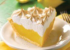 La receta tradicional de la tarta de crema de limón y merengue suizo, también denominada pastel de limón o lemon pie, surgió en el siglo XIX en la gastronomía estadounidense. Este delicioso pa...
