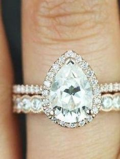 Fabulous unique engagement rings.... 7478 #uniqueengagementrings Pear Wedding Ring, Wedding Rings Simple, Wedding Rings Solitaire, Custom Wedding Rings, Beautiful Wedding Rings, Wedding Rings Vintage, Vintage Engagement Rings, Bridal Rings, Trendy Wedding