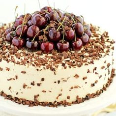 Loaded with two pounds of lightly cooked cherries topped with a pound of fresh cherries caramel cream and fluffy chocolate cake sponge. Chocolate Meringue Cake Recipe, Cherry Cake Recipe, Fluffy Chocolate Cake, Organic Chocolate, Chocolate Cakes, Cake Recipes, Dessert Recipes, Dessert Ideas, Cake Ideas