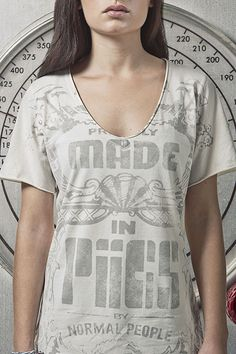T-shirt for woman MADE IN PIIGS. Esta es nuestra manera de hacer moda responsable. #fashiontakesaction