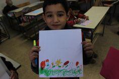 La guerra de Siria según los niños. Jawad, 8 años Para Jawad, la guerra es un niño que llora, perdido y solo. Y la paz, un niño que va al cole con su mochila.