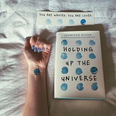 HOLDING UP THE UNIVERSE- 4/5 ⭐️ First off, it was so lovely meeting Jennifer Niven a few weeks ago at Wordstock. She was so kind and talkative. I thoroughly enjoyed HUTU. It was one of my most anticipated releases for 2016 & I was beyond excited when I finally had the time to start it. I totally suggest reading it if you haven't already! It didn't quite strike a chord with me like ATBP did, but it still touched on seriously heavy topics and was 100% worth the read. #iamwanted #jenniferniv...