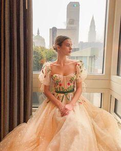 Cute Prom Dresses, Elegant Dresses, Pretty Dresses, Vintage Formal Dresses, Fantasy Gowns, Fairytale Dress, Looks Vintage, Ball Gown Dresses, Beautiful Gowns