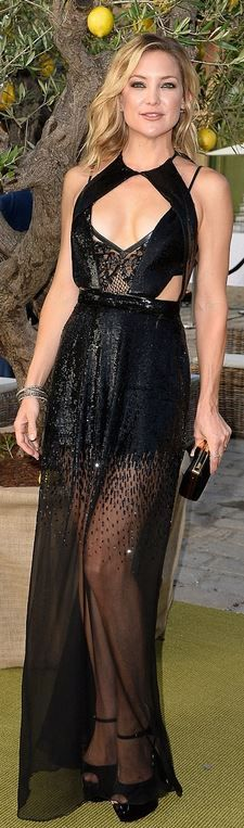 Who made  Kate Hudson's black gown, clutch handbag, and platform sandals?