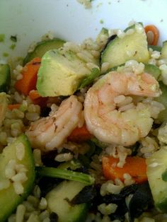 Sushi Salad: 5 cups cooked brown rice, 1 english cucumber diced, 1 1/2 cups shredded carrots, 1 lb. shrimp; sauce: 2 tbsp reduced sodium soy sauce, 2/3 c rice wine vinegar, 1/2 tsp honey; top with avocado and Trader Joe's roasted seaweed snack, makes 5 2-cup servings