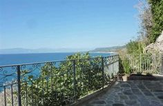 Vacation Rental, 1 Bedroom Apartment in Pizzo to rent with privare balcony/terrace; www.palazzopizzo.com