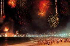Festejos de Año Nuevo en Copacabana - Río de Janeiro  Info: http://www.msccruceros.com.ar/ar_es/Cruceros/Sudamerica/Brasil/Rio-De-Janeiro.aspx