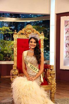 Andrea Rosales Miss Earth Venezuela invitada al programa Portadas en Venevision..