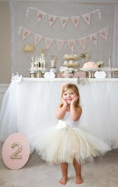 What's better for a little girl's birthday party than a princess party? Looking for ideas for DIY princess decorations, princess party food and princess party ideas. Check out this beautiful princess birthday party. Little Girl Birthday, Baby Birthday, Birthday Ideas, Birthday Bunting, Gold Birthday, Birthday Table, Glitter Birthday, 2nd Birthday Pictures, Girls 3rd Birthday