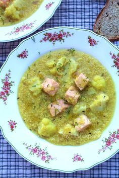 My Little Expat Kitchen: Cauliflower and millet soup with salmon, flavored with cumin and turmeric Green Curry, Turmeric, Cheeseburger Chowder, Cauliflower, Salmon, Soups, Food, Kitchen, Cooking