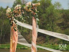 Rustikální venkovská svatba s čemeřicemi v ptačím domě, slavobrána #10