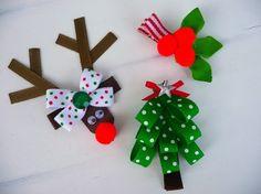 Super schattig set van drie clippies met inbegrip van... Ruthie Reindeer, polka dot kerstboom en holly bessen. Perfect voor alle de komende feestdagen. Alle clippies op gedeeltelijk bekleed, één aders alligator clips zijn geplaatst, en alle lint uiteinden hermetisch afgesloten om te voorkomen dat de rafels.  ** We graag doen speciale orders dus contact met ons op met eventuele specifieke kleuren.  Hoewel we ons best doen om elk item, kunnen clips en toegevoegde bling gevaar verstikking voor…