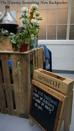 Sipsmith stand @ Junipalooza The Twenty Something Non Backpacker Gin Foundry, Gin Festival, Gin Lovers, Backpacker, The Twenties, Things To Do, Around The Worlds, Crafts, Ideas