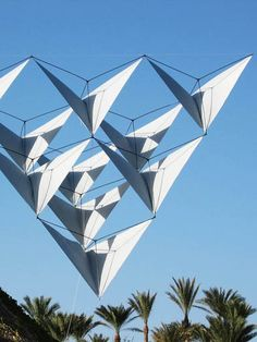 A novel tetrahedral kite - note how the spars meet in the middle of each cell. Some finesse required in construction! T.P. (my-best-kite.com)