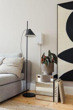 DIY Spiegel Beistelltisch Buenas Ideas, Diy Interior, Bed Room, Home Decor, Dormitory, Decoration Home, Room Decor, Bedroom, Handmade Home Decor