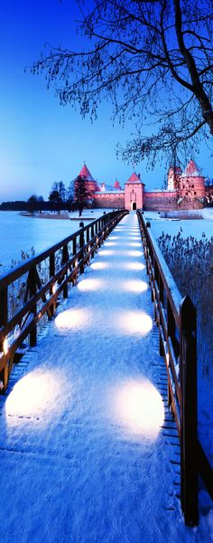 Trakai Island Castle, Vilnius, Lithuania.   |   The 20 Most Stunning Fairytale Castles in Winter