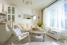Obývačka s kvetinovým poťahom