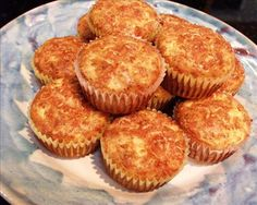 Sun-dried tomato and cottage cheese muffins. Yummy, low-carb recipe from Rose Elliot.