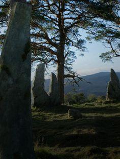 STARZ - Outlander - A STARZ Original Series :: Craigh na Dun