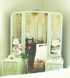 Dresser repaint  in a 1930s style bedroom. Omg... Exactly what I want!!!!!!!!
