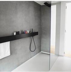 Home Decorating Ideas Modern Badezimmerboden und Wände Bathroom Renos, Bathroom Interior, Modern Bathroom, Industrial Bathroom, Small Bathrooms, Bathroom Cabinets, Bathroom Ideas, Interior Design Living Room, Living Room Decor
